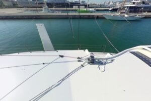 C6_Easy_to_Sail_One_Winch_2_Cleats