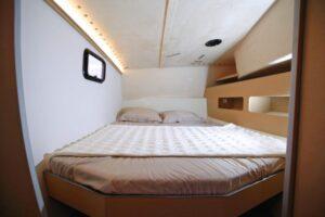 Class4_interior_afcabin-800x534
